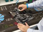 Vorbereitung: CPU, RAM und Kühler werden montiert.